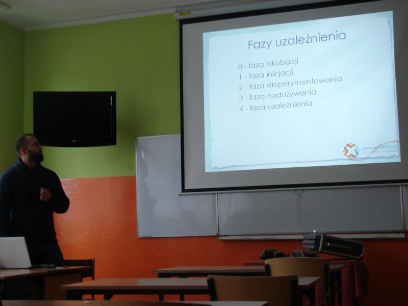 """Sprawozdanie ze szkolenia nauczycieli w zakresie realizacji zadania """"Bezpieczna i przyjazna szkoła"""""""
